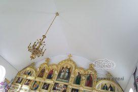 матовый потолок в храме